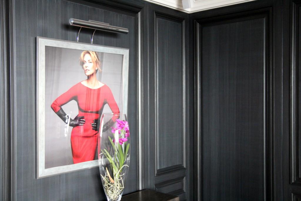 exclu infiltration dans le palace des stars du festival de cannes. Black Bedroom Furniture Sets. Home Design Ideas