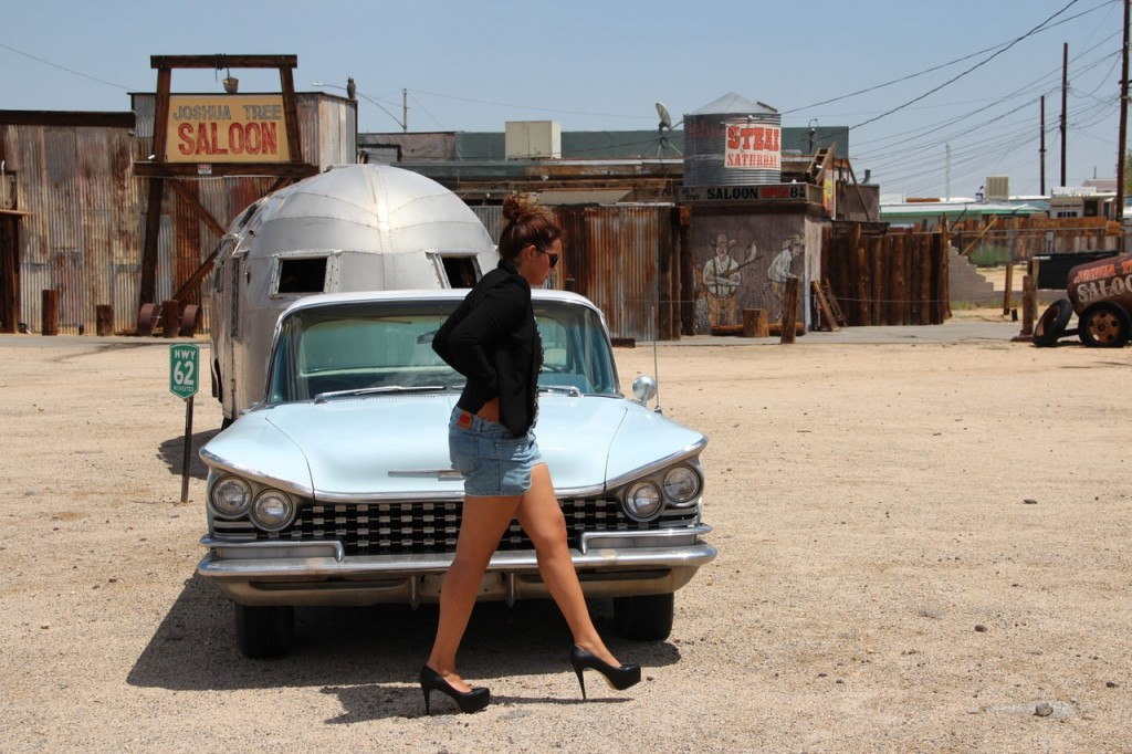 The glitter girl with a blue car
