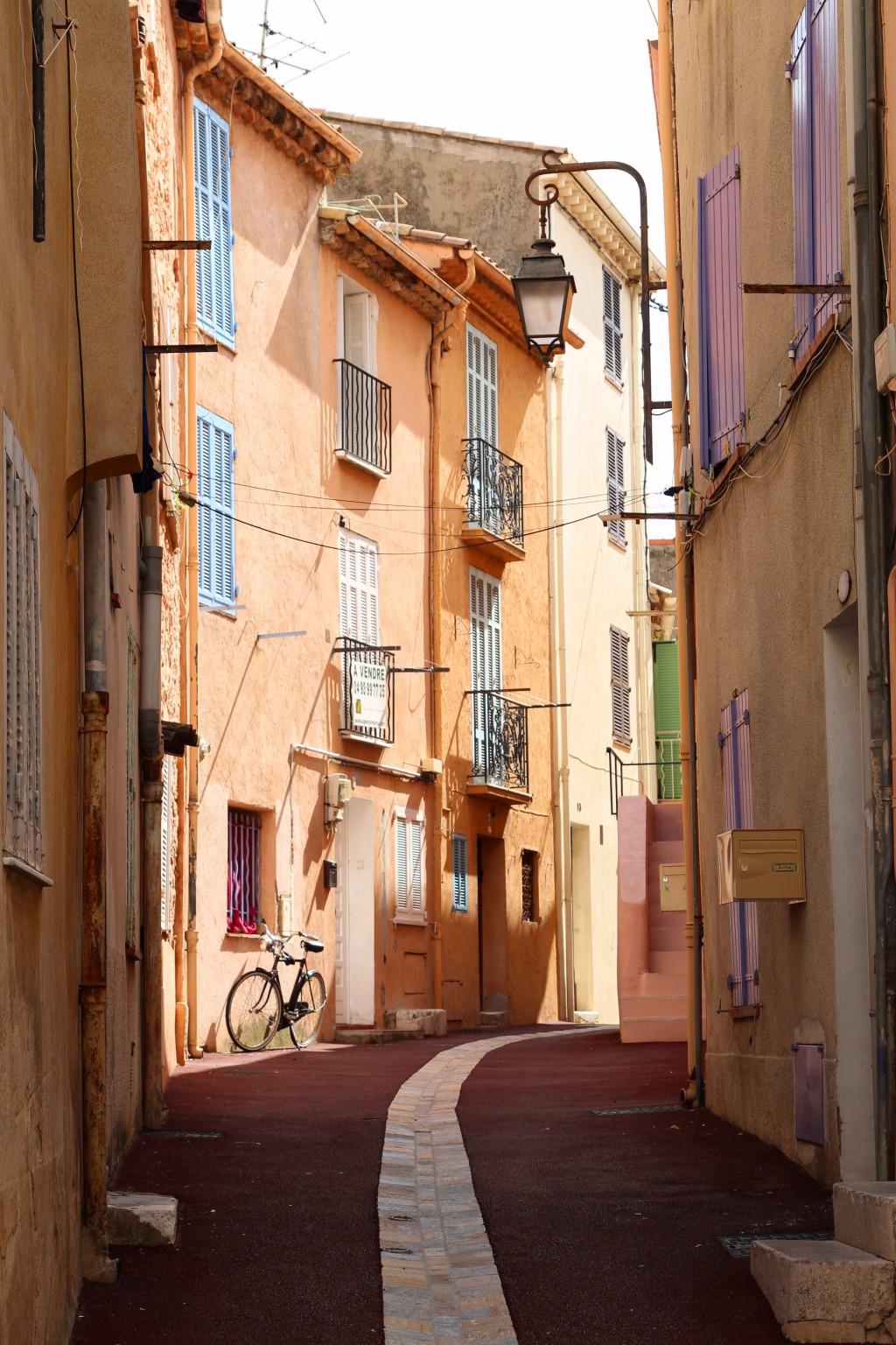 Suquet Vielle rue de Cannes