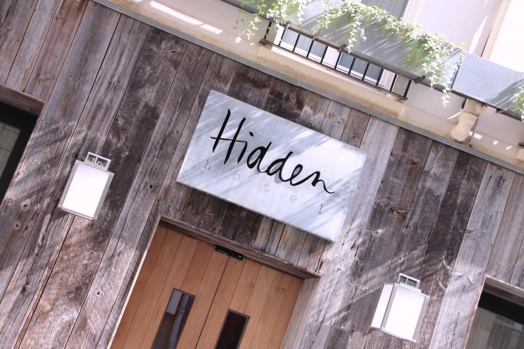 Hidden hotel le nid secret rue de l arc de triomphe paris for Hotel les secrets de paris