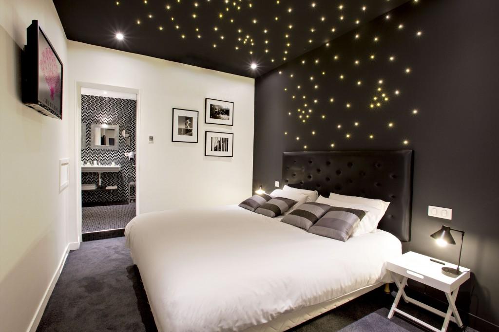 (c) hotel villa boheme