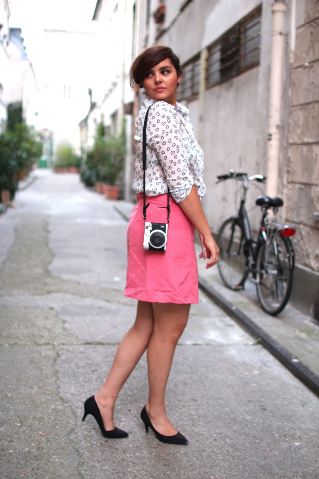 streetstyle paris pink skirt 1